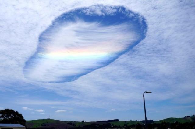 Bizzarre nubi sorvolano i cieli dell'Australia: che cosa sono?