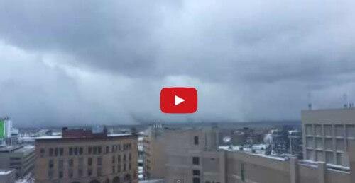 Snow Lake Effect negli Stati Uniti, e la città di Buffalo viene sepolta dalla neve: il video