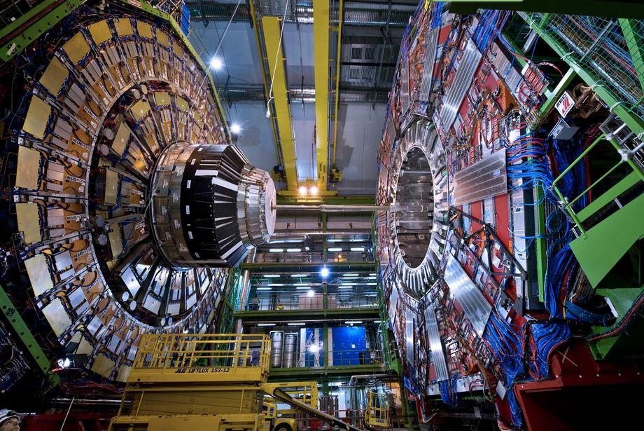 Cern: annunciata la scoperta di due particelle subatomiche