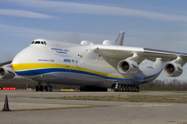 Il più grande aereo del mondo è atterrato a Malpensa