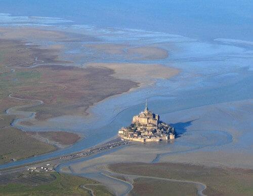 Marea del secolo in Francia: lo straordinario video da Mont Saint Michel