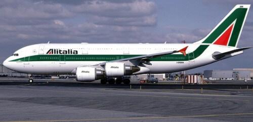 Aereo Alitalia circondato a New York, minaccia chimica a bordo