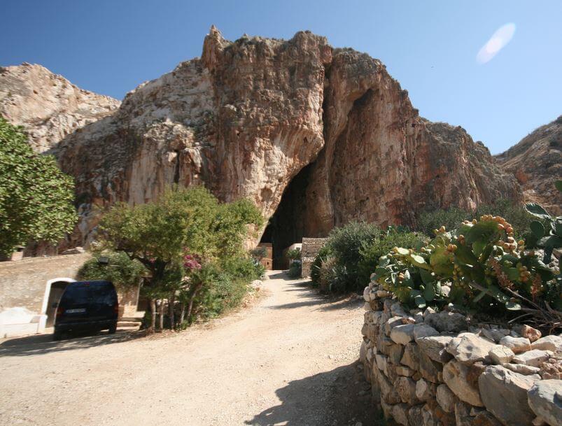 La Grotta Mangiapane in Sicilia, uno dei luoghi più affascinanti dell'Italia