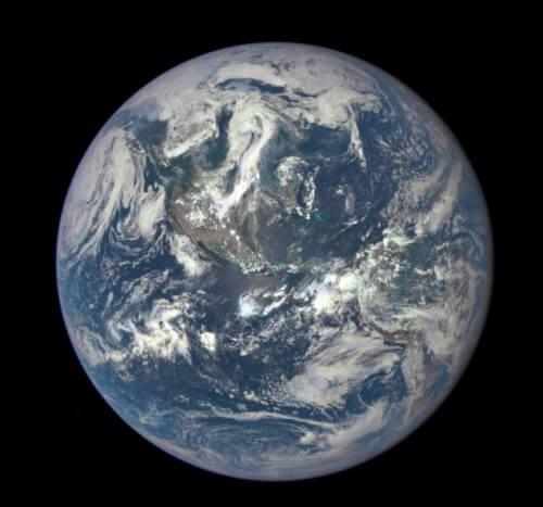 La Terra, una biglia blu di inestimabile valore