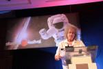 Brian May, dopo la laurea in matematica e fisica, e dopo i Queen, anche il dottorato in astrofisica
