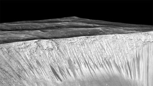 Le foto delle aree di Marte dove è stata rilevata l'acqua