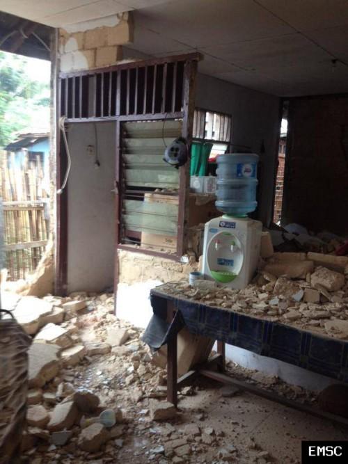 Forte scossa di terremoto in Indonesia/isola di Papua, oltre 60 feriti, 6.9 Richter
