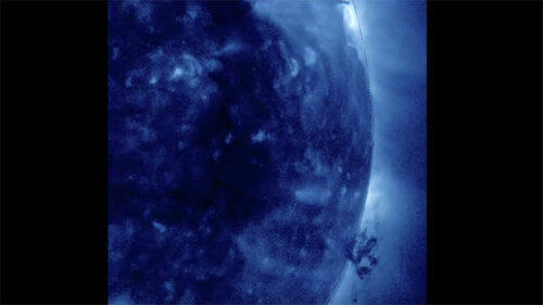 Spazio, filmato un gigantesco tornado di plasma sulla superficie del Sole