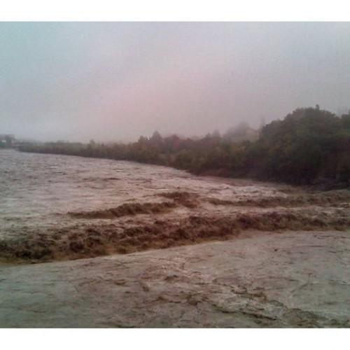 Alluvione Sicilia, situazione drammatica sulla costa Est, auto in mare, esonda il Macchia
