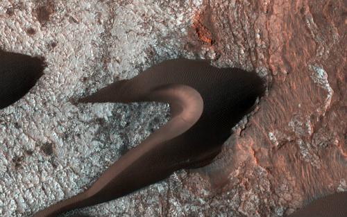 Marte: la suggestiva duna ripresa dalla NASA