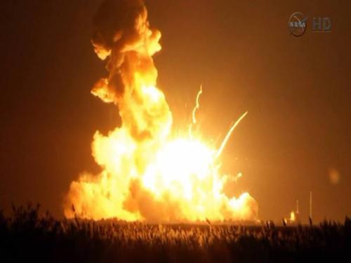 Rese note dalla NASA le immagini del razzo Antares esploso a pochi secondi dal lancio