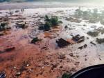 Brasile: crolla una diga e travolge tutto in un mare di acqua e fango