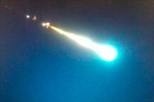 Scia luminosa avvistata sul Triveneto: si tratta di un meteorite a bassa quota