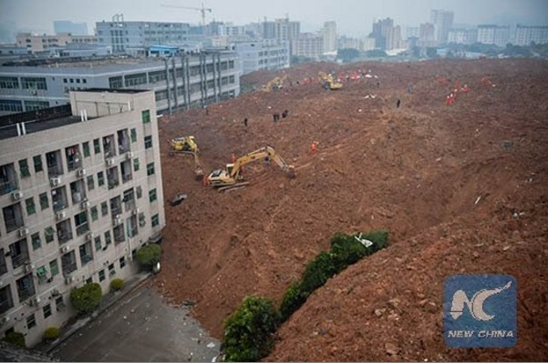 Frana a Shenzen, Cina: si temono 50 vittime, smottamento mostruoso