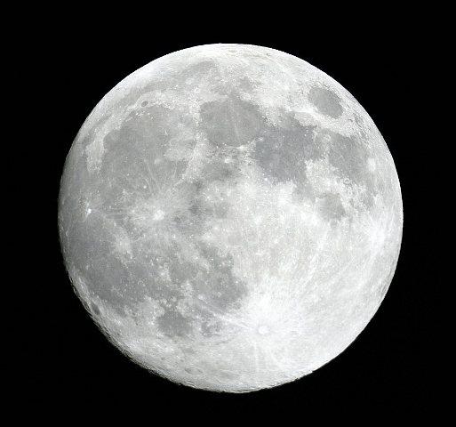 Per il giorno di Natale arriva una Luna Piena perfetta