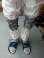 Arrivano i calzini che producono energia dalla pipì