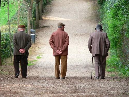 Longevità in crescita in Italia, migliora la salute degli anziani