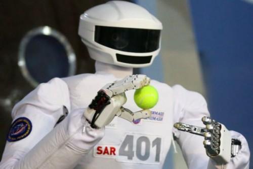 Russia: colonizzare la Luna con un robot umanoide, SAR- 401
