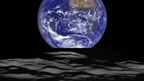 Nasa: nuova spettacolare foto della Terra vista dalla Luna
