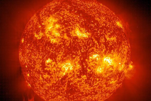 Stelle, realizzati in laboratorio gli elementi che nascono in una gigante rossa
