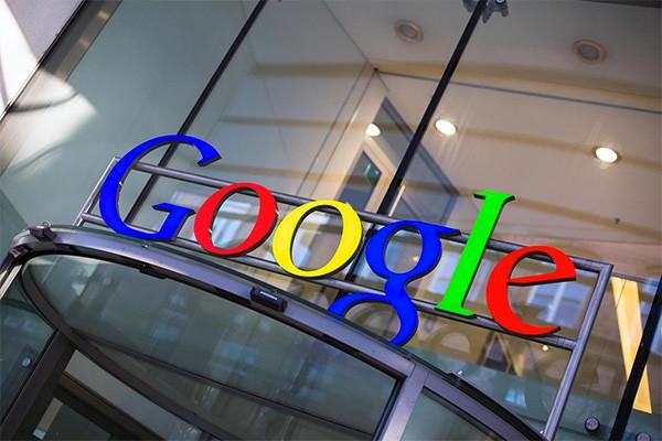Google, una tecnologia per smartphone che riconoscerà i volti