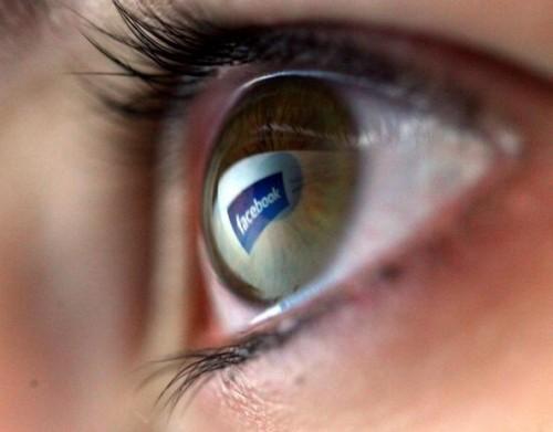 Facebook, può influenzare il cervello come la cocaina