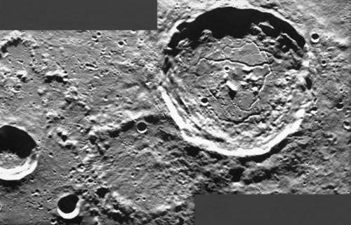 Luna, la foto dettagliata del cratere Atlas e della superficie lunare