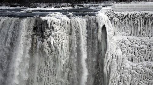 Clima, la minaccia arriva dallo scioglimento dei ghiacci