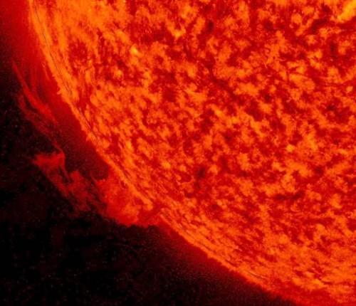 Tempesta solare: il video della nube di particelle in viaggio verso la Terra