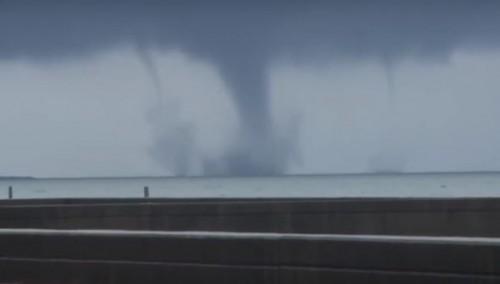 Tromba marina in Louisiana, straordinario video dell'evento