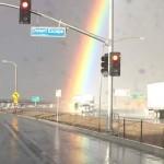 L'inizio di un arcobaleno catturato in California