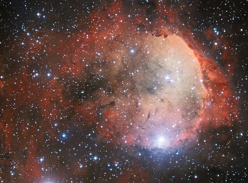 Astromomia, le straordinarie caratteristiche della nebulosa Carina