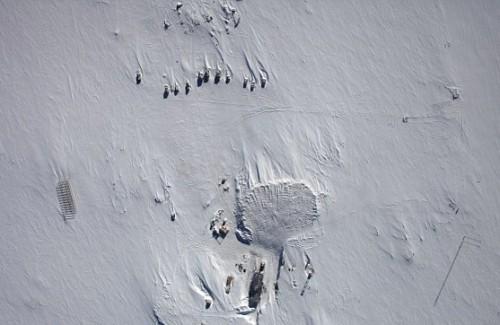 Antartide: scoperto un enorme lago sotto il ghiaccio, forse ospita forme vita