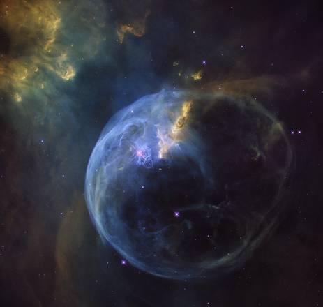 Bolla di sapone cosmica: l'ultima spettacolare foto di Hubble