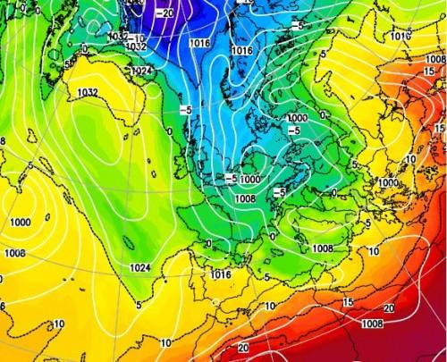 Maltempo Italia, assalto invernale: tornano pioggia, freddo e neve