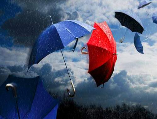 Freddo, pioggia, temporali e neve: torna il maltempo sull'Italia