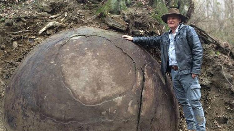 Archeologia: scoperta la pietra sferica più antica del mondo?