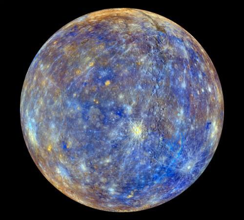 Mercurio, scoperto il segreto della superficie 'scura' del pianeta