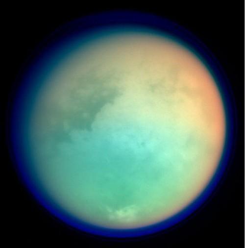 Titano, le impossibili nuvole della luna di Saturno