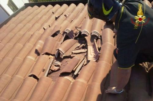 Meteorite distrugge un tetto: attimi di paura a Padova