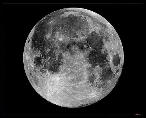 Spazio, la faccia della Luna sta cambiando velocemente