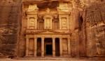 Petra, la clamorosa scoperta: una piscina nel cuore della città