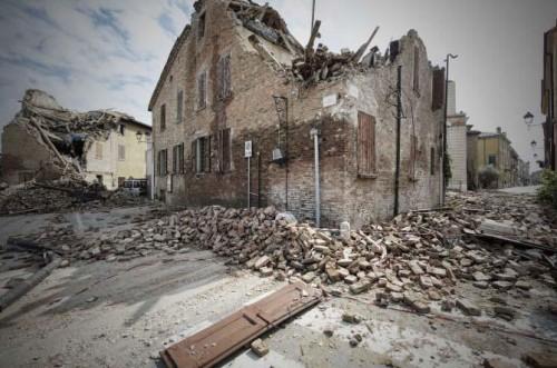 Terremoto: oltre 90 scosse nella notte, cresce il disagio tra i terremotati