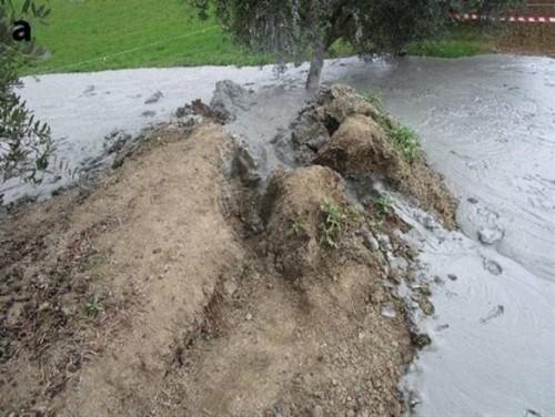 Terremoto: si moltiplicano i vulcanelli di fango nelle Marche