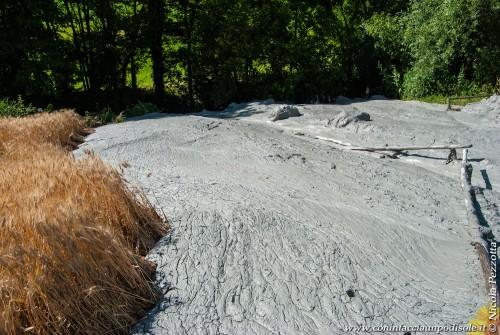 Terremoto Centro Italia: si moltiplicano le eruzioni dei vulcanelli di fango
