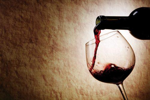 Bere alcol aumenta il senso di fame: i risultati della ricerca