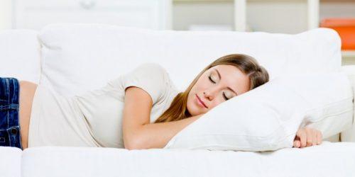 Dormire in una stanza fredda: le conseguenze sulla salute