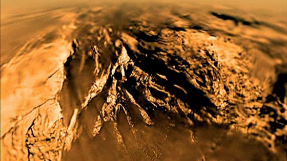 Titano, il video dello storico atterraggio sulla luna di Saturno