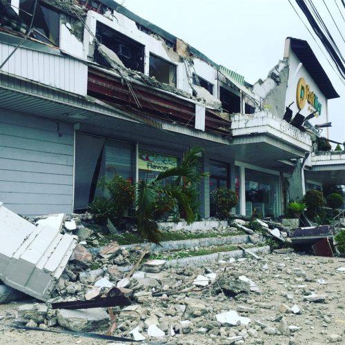 Terremoto nelle Filippine: oltre 15 morti, strade e ponti crollati