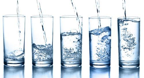Beve otto litri di acqua per una dieta, ricoverata in gravi condizioni